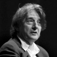 Деян Суджич