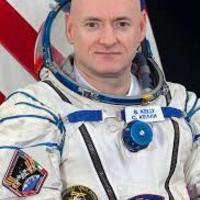 Скотт Келли