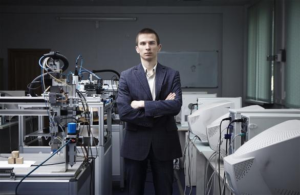 Молодые ученые: *инженер Михаил Смирнов*