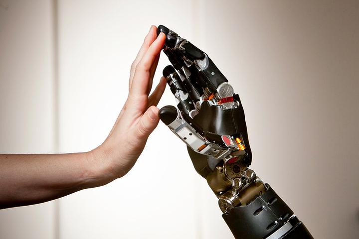 Гаджеты-самоубийцы: *как военное агентство DARPA создает будущее*