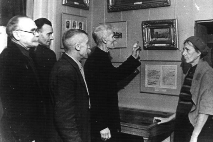 Встреча искусства и истории: *Илья Будрайтскис и Арсений Жиляев вспоминают выставку «Педагогическая поэма»*