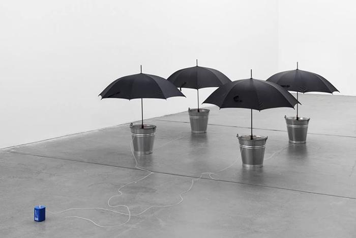 Социальное обаяние: *пять лекций Виктора Мизиано о кураторстве*