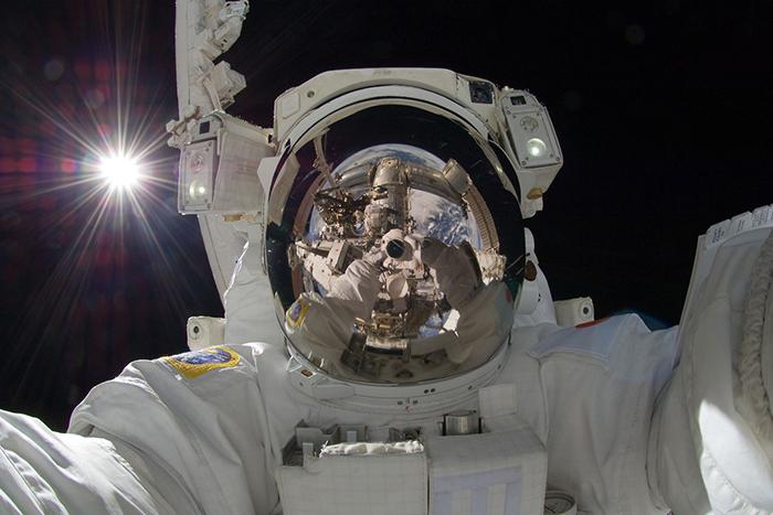 Помощь Вселенной: *6 космических технологий, которые кардинально изменили жизнь на Земле*