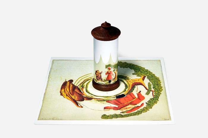Цилиндрическое иконическое зеркала для пр...