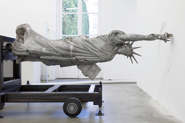 Подрывая музей: *способы презентации объектов искусства*