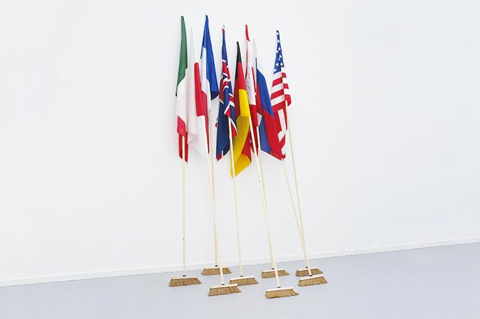 «Наступает эпоха суверенных корпораций»: *историк Мартин ван Кревельд о будущем без государства*