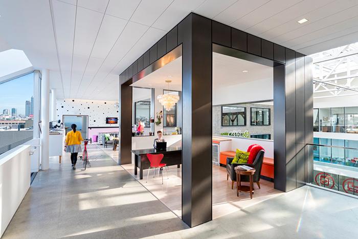 Идеальное пространство: *как устроены офисы ведущих IT-компаний мира*