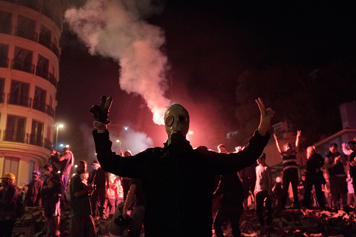 Коллективное варварство: *как толпа стала сильнее индивида*