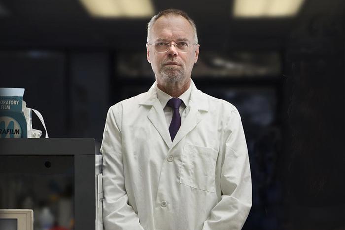 «Каждый раз, когда кто-то умирает, я думаю, что это наш провал»: биолог Билл Эндрюс о лекарстве от старости