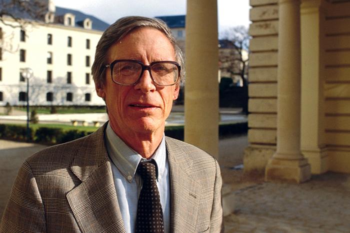 Гарвардский университет опубликовал *курс лекций Джона Ролза, объясняющий политическую науку*