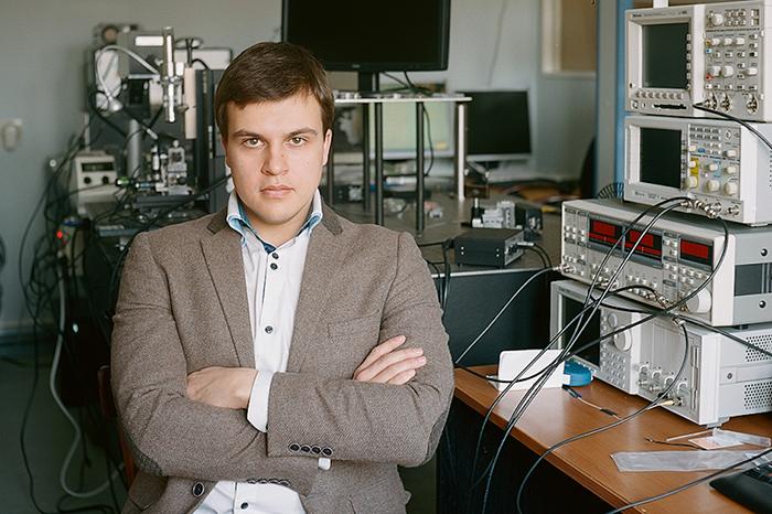 Физик Юрий Стебунов: *«Узнать, где лежит взрывчатка, можно будет с помощью биосенсоров»*