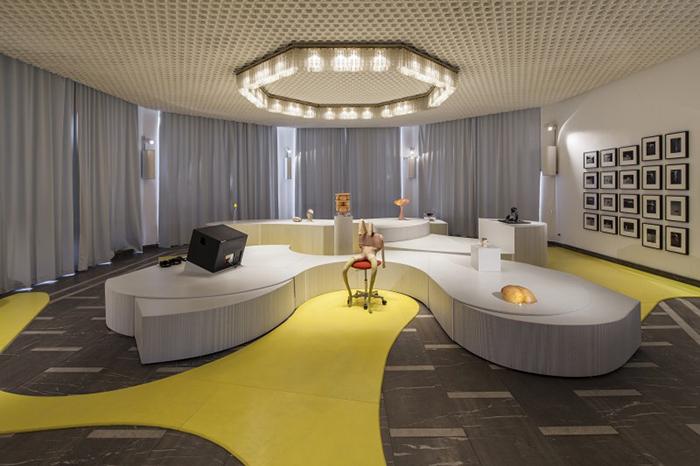 Schinkel Pavilion, Berlin and ADAGP, Paris. Pho...