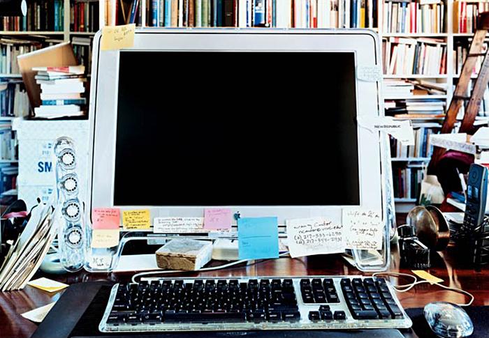 Компьютер Сьюзен Сонтаг, которым она пользовала...
