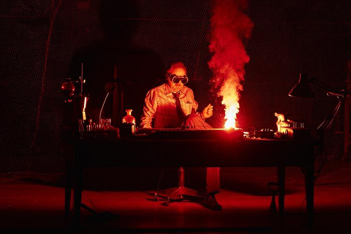 Театр про инноваторов: *8 постановок о науке и технологиях*