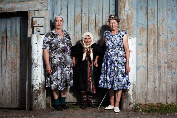 Лидия Луканина (60 лет), Екатерина Луканина (91...
