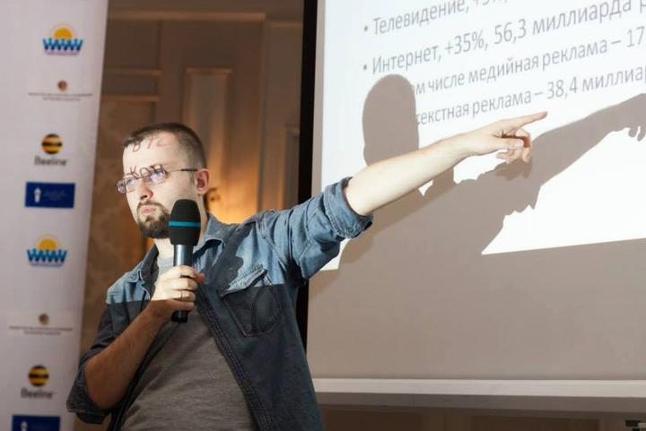 «Где взять деньги на качественную журналистику»: Александр Амзин о вечных вопросах медиа