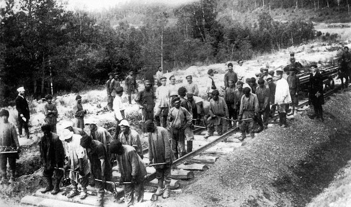 Самаро-Златоустовская железная дорога. Укладка ...