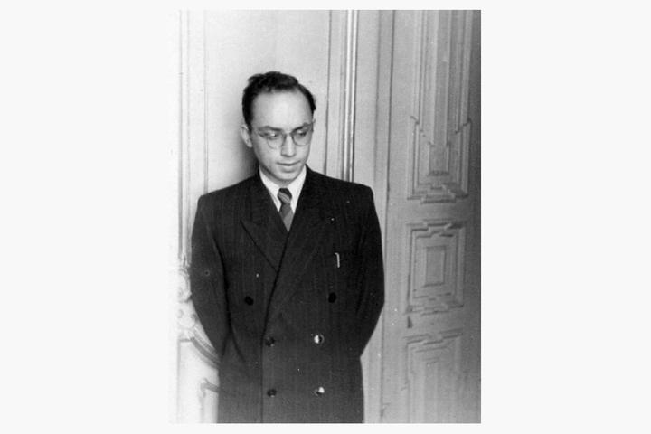 Весной 1950г. студент IV курса кафедры ар...