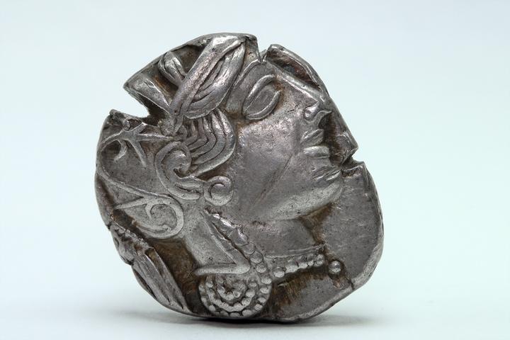 Недостаток денег: как боролись с монетарным обществом в Древних Афинах, Спарте и Советской России