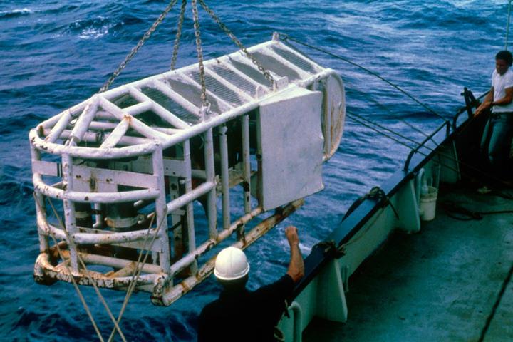 ANGUS ©Woods Hole Oceanographic Institution