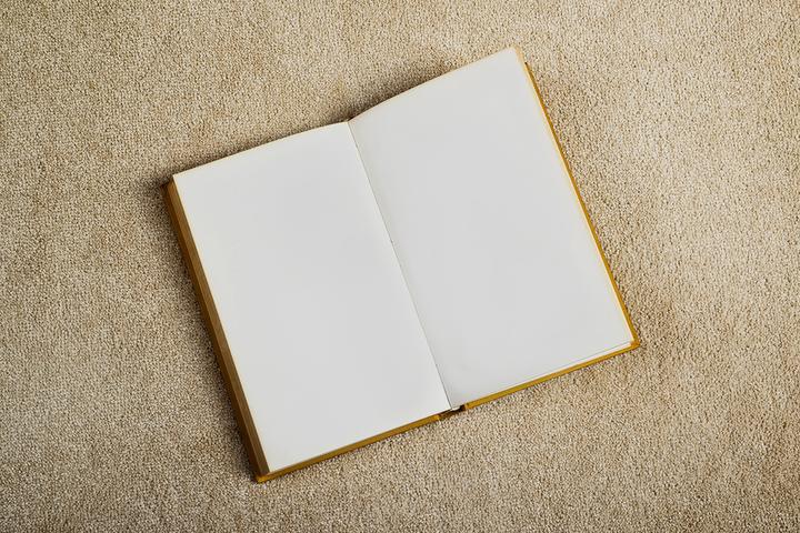 Амбулаторное чтение: что общего у литературы с медициной и могут ли книги лечить