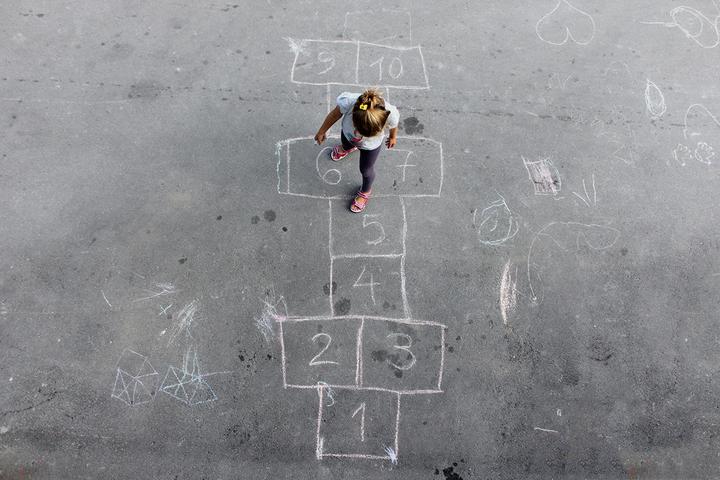 Готовый интеллектуальный корм: как родители и школа мешают детям стать взрослыми и мыслить критически