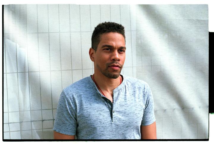 «Я говорю своим студентам: «Хватит искать свое подлинное «я»: интервью с Кристианом Ховардом