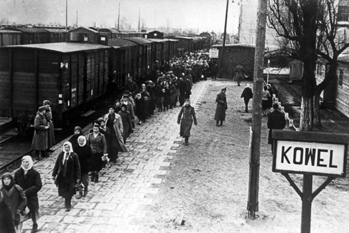 Переход в состояние вещи: воспоминания людей, которые были дешевой рабочей силой для Третьего рейха