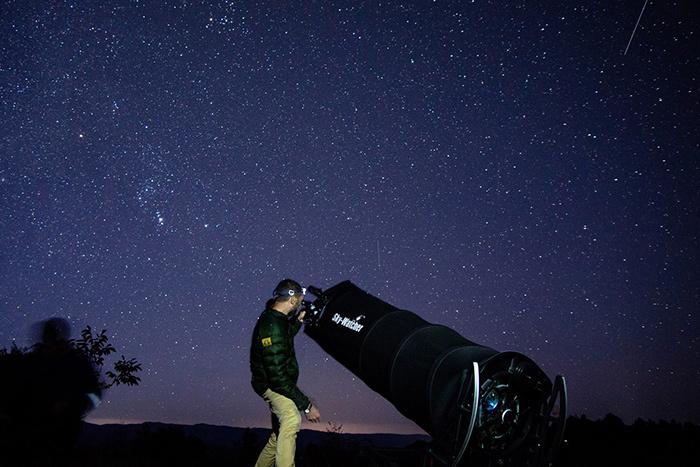 Молодые ученые: астрофизик Сергей Назаров о черных дырах и вреде государственных границ для науки