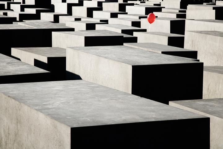Непрошедшее прошлое: почему исторические травмы...