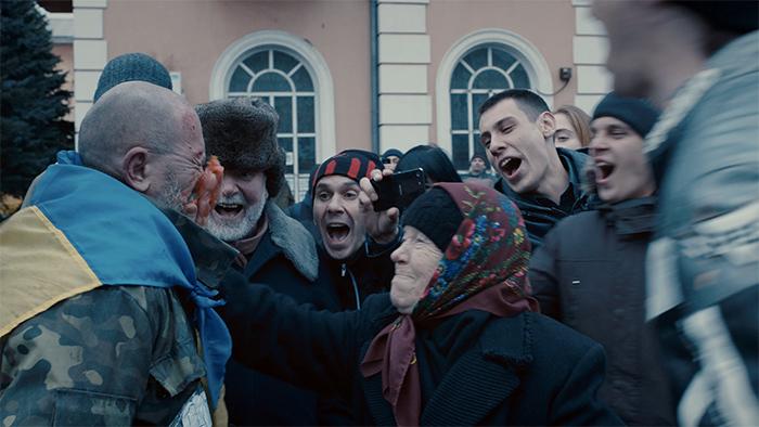 Кадр изфильма «Донбасс»