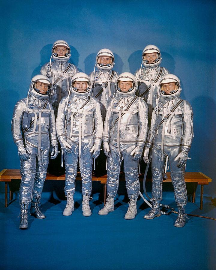 Первый выпуск космонавтов изобучающего кл...