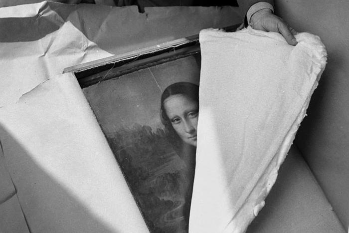 Как путешествуют шедевры: секреты перевозки бесценных произведений