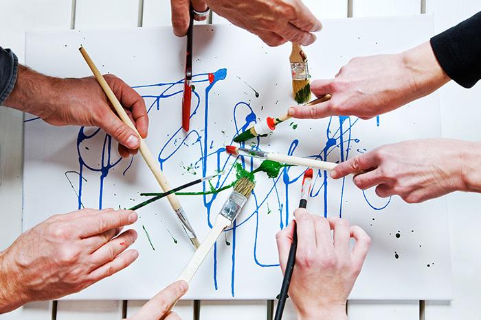 Искусство лечит: что такое арт-терапия и кому она подойдет