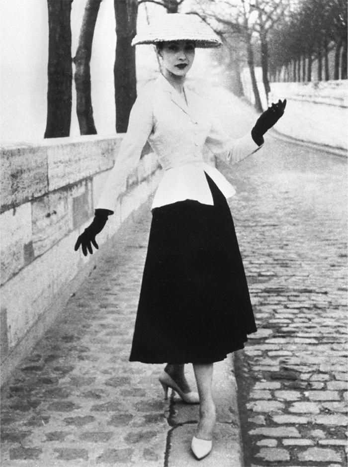 Диор. Шляпа-пагода. Париж, 1947
