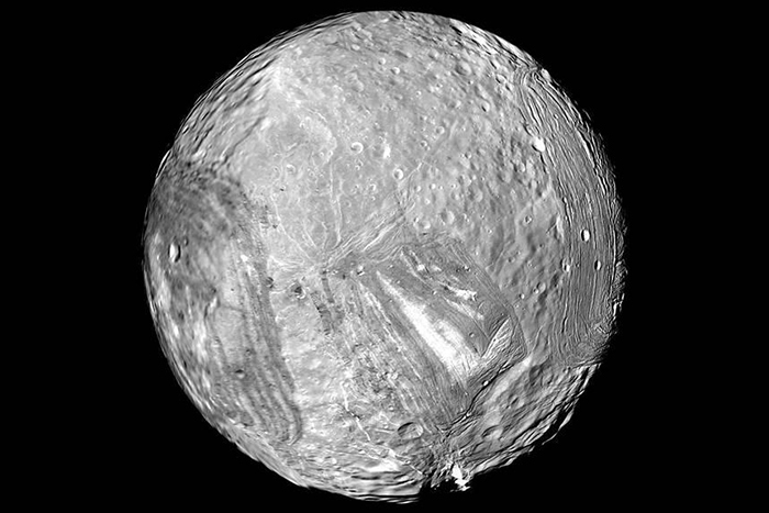 Миранда. Источник: NASA / jpl.nasa.gov