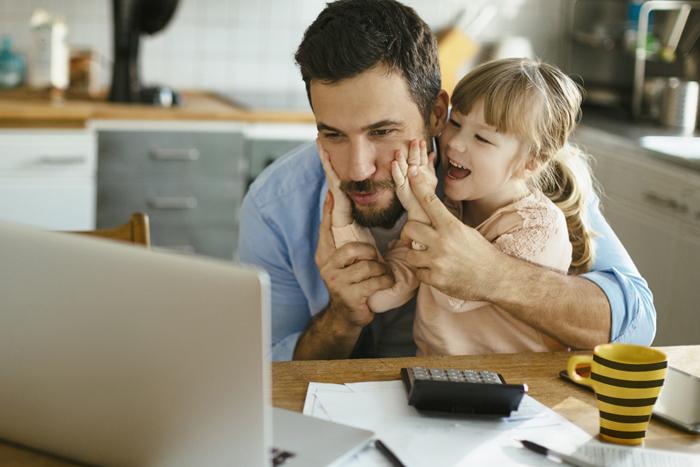Родители НЕ в изоляции: как работать, когда все дома