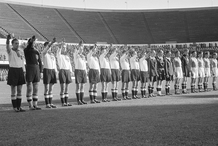 Блицкриг на футбольном поле: как в Германии перестраивали спорт на национал-социалистический лад