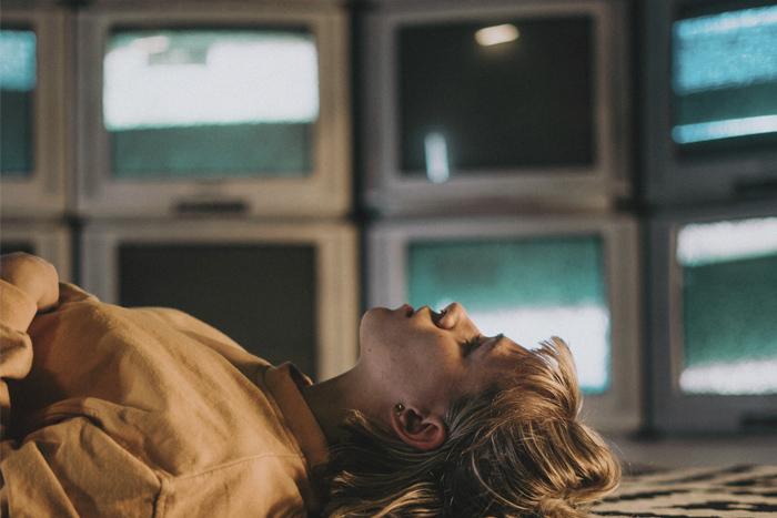 Еще одну серию: почему сложно перестать смотреть сериалы запоями
