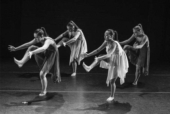 Театральный перформанс и перформативный театр: где грань между двумя видами искусства