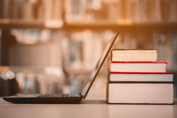 Как технологии онлайн-обучения объединяются с высшим образованием