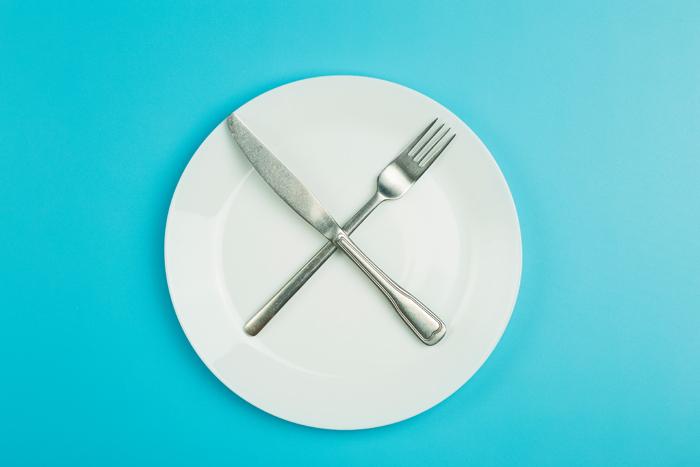 Есть или не есть: помогает ли голодание сохранить молодость и похудеть