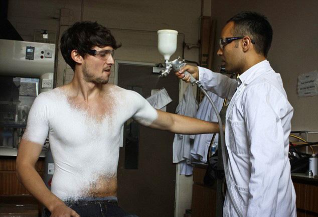 *Баллончик ткани: мнения врачей, дизайнеров и технологов* об одном из главных изобретений года