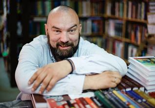 Независимые книжные: *«Пиотровский», «Гилея», «Порядок слов» и другие*