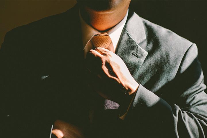 Пиджак наоборот: об уместности в одежде