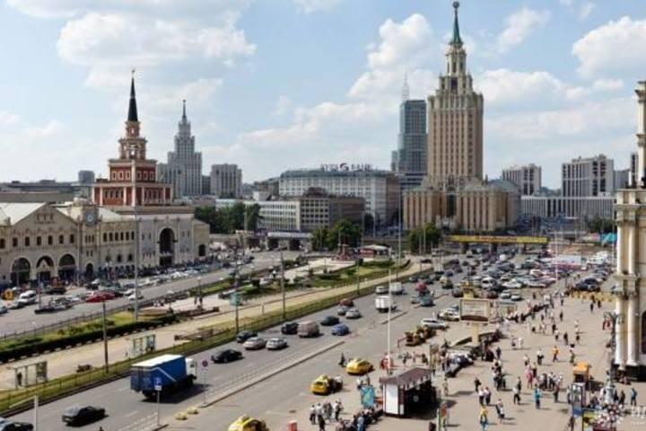 Гостиница «Ленинградская» и площадь трех вокзалов