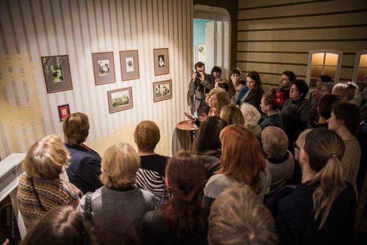 Кураторский показ выставки «Душа, не знающая меры…»