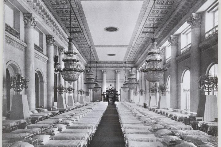 Экскурсия по выставке «Зимний дворец и Эрмитаж в 1917 году»