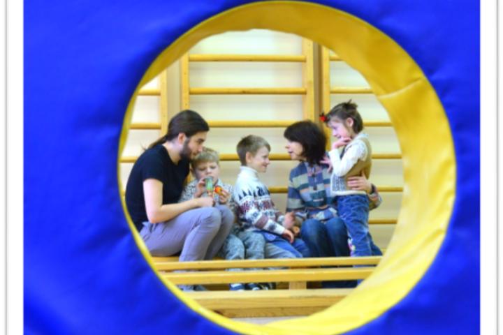 «Волонтёры в детских интернатах: особая помощь детям с особенностями»