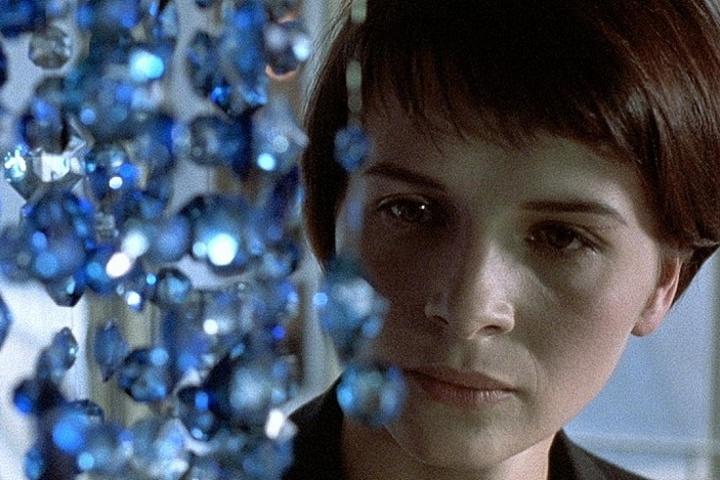 Просмотр и обсуждение фильма «Три цвета: Синий»